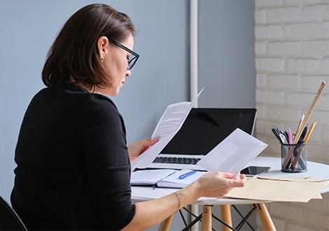 A cégalapítás könyvelése jól megalapozhatja a cég működését. Forduljon bátran könyvelőinkhez és adótanácsadóinkhoz!